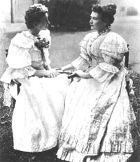 helen_keller_and_anne_ sullivan.jpg